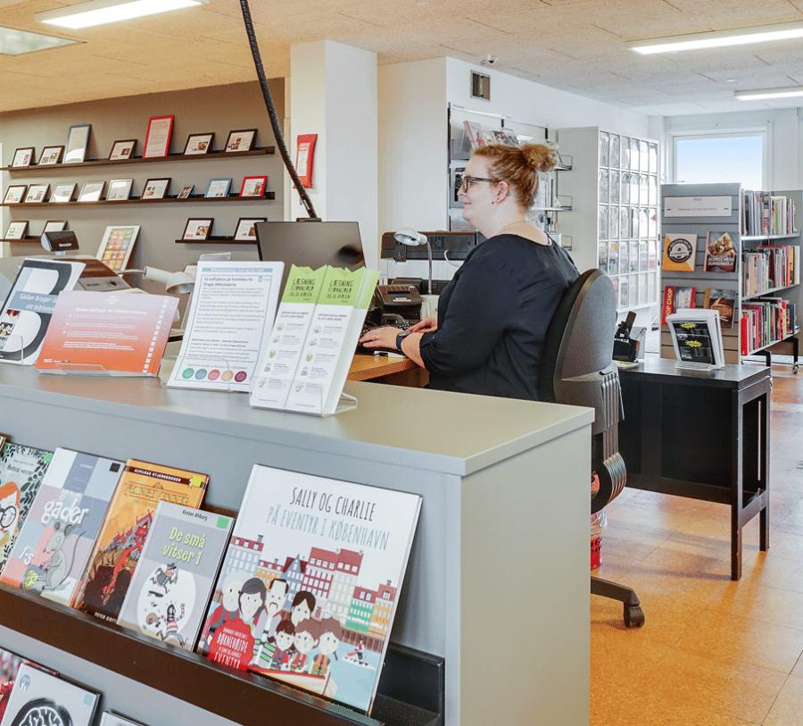 Bibliotekar på vagt i Hollænderhallen